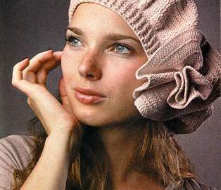 beige beret with big flower