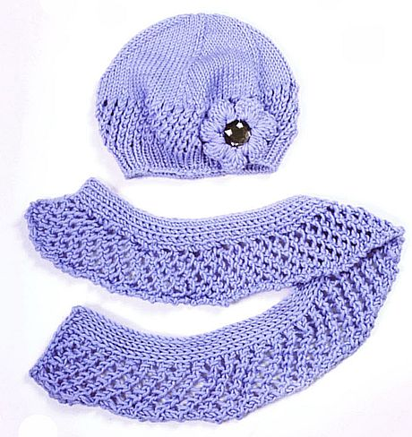 beret and scarf bleu