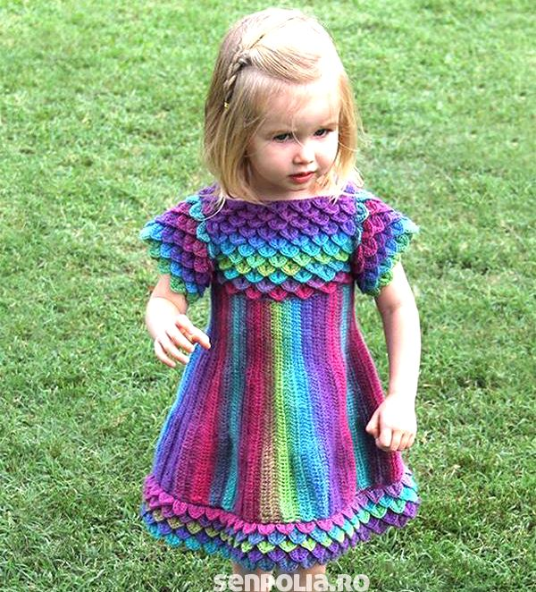 Kleid Crosetata mit Modell-Skalen