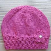 Caciula tricotata cu floare