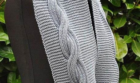 rund halsduk med mönster sidan torsade