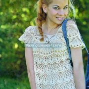 Bluza crosetata cu model crini