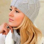 Mütze und Schal mit Aran-Muster