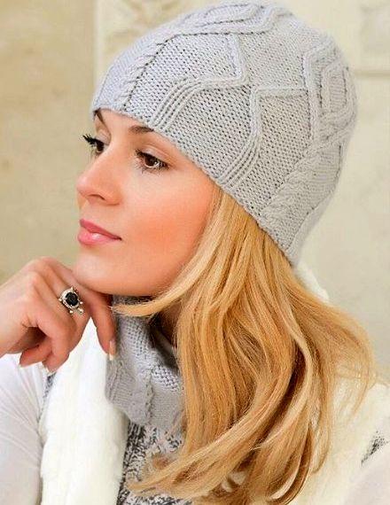 Sombrero y bufanda con patrón de aran