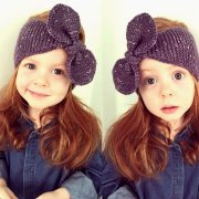 Headband knitted with bow